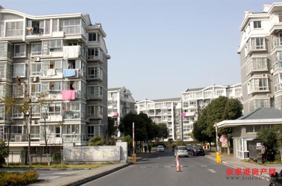百桥花园 5楼133平方 精装修 122万 3室2厅2卫