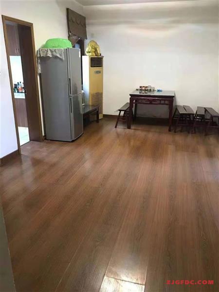 金茂旁体育新村4楼90平方中等装修天然气