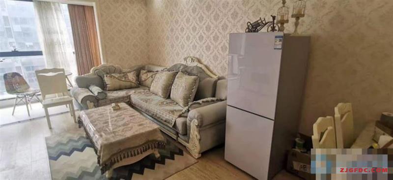 好房超级抢手出租,天和公馆2100元2室1厅1卫豪华装修